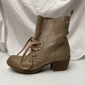 Roxy boot heels